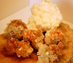 Aragonite stars clear your chakra column to help you stand tall.