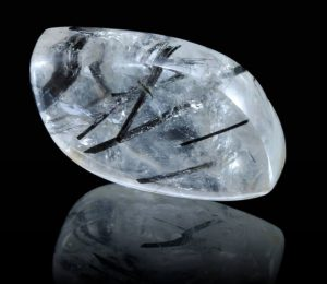 Quartz-crystal-with-rutile